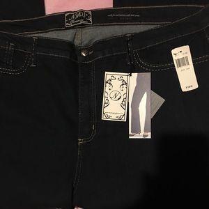 NWT Women's Plus Size Jeans Size 24W